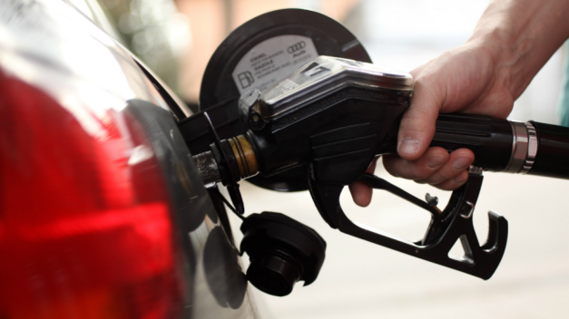 Average Price of US Gas Jumps 10 Cents, to $3 a Gallon