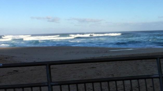 Mavericks Still on Despite Cancellation of Hawaiian Surf Contest