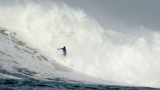 Towering Waves Trigger High Surf Warning at Bay Area Beaches
