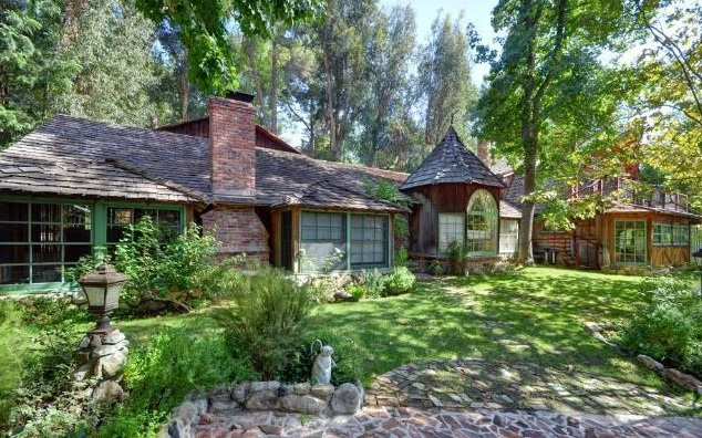 Live Where Jane Fonda Did for $2.295M