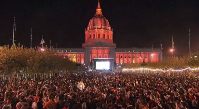 [BAY] Giants Fans Celebrate World Series Win at Civic Center