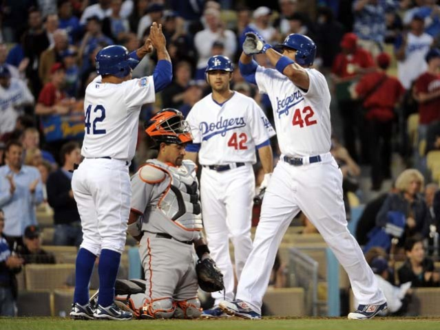 Dodgers Use Long Ball to Overpower Rival Giants. Game One: Dodgers