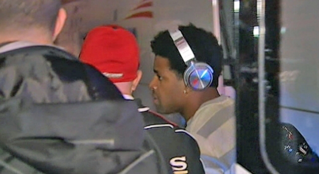 [BAY] Raw Video: 49ers, Michael Crabtree, Arrive in Atlanta