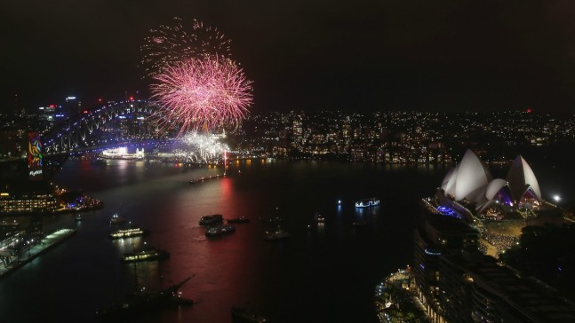 Revelers Around the World Ring in 2018, Say Bye to the Old