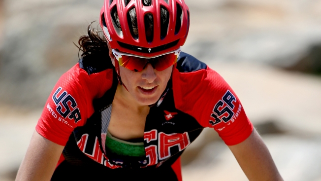 American Lea Davison Aims for Podium in Mountain Biking