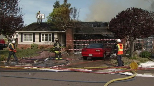 Residents Displaced, 2 Homes Damaged in Mountain View Fire