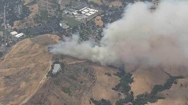 Brush Fire Prompts Evacuations in Moraga's Buckingham Neighborhood