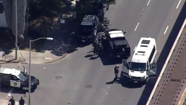 2 Detained After Oakland and Berkeley Police Respond to Report of Armed Man