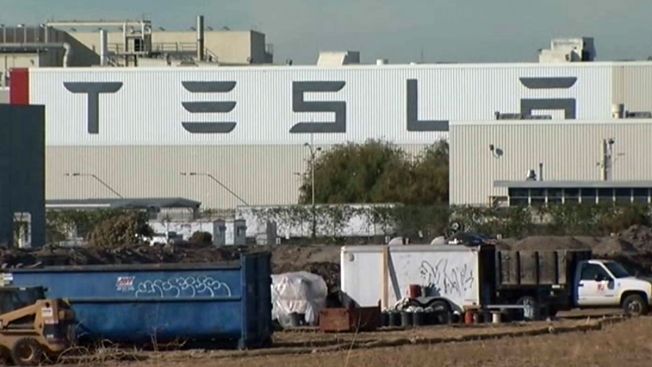 Auto Workers Union Wants In on Tesla