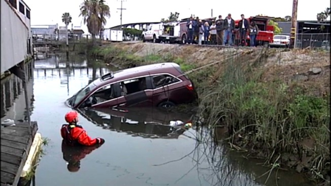 Stolen Minivan Pulled from Water Surrounding East Bay Marina