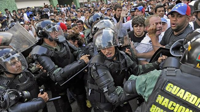 Venezuela Opposition Leader Jailed Over Protests After Surrender to Police