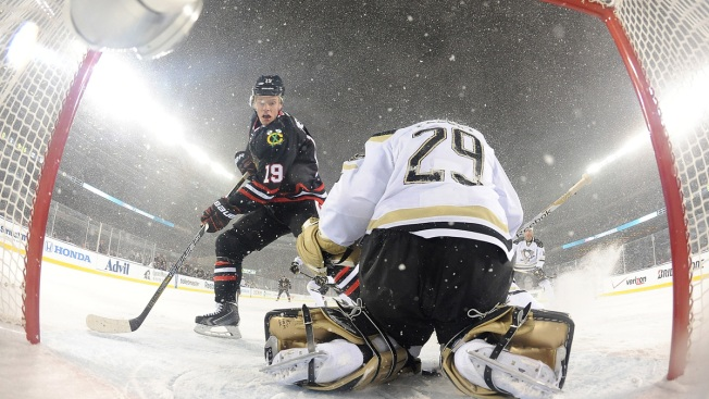 Toews Powers Blackhawks to Snowy Win Over Penguins