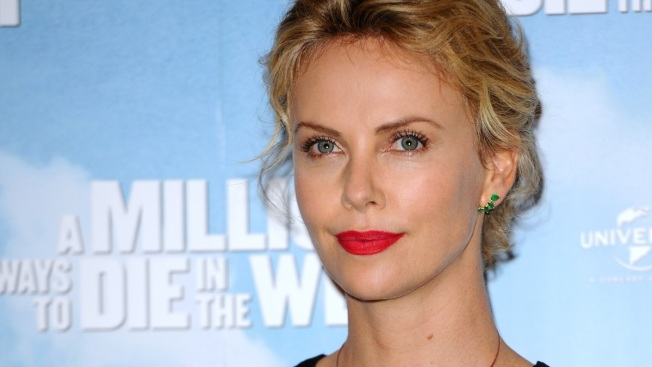 """Charlize Theron and Tom Hardy in New Movie """"Mad Max: Fury Road"""""""