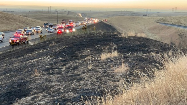 Firefighters Contain Small Brush Fire Next to I-580 in Eastern Alameda County