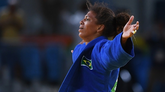 With a 57-Kg Flip, Brazil Gets Its First Gold Medal in Rio Games