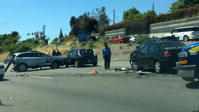 Multi-Vehicle Crash Reported Along Highway 101 in San Jose