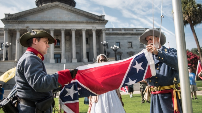 Confederate Flag Again Rises at South Carolina Statehouse in Secessionist Protest