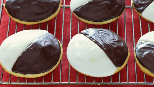 Black & White Cookies Sold at Starbucks Stores in 13 States Recalled for Undeclared Milk