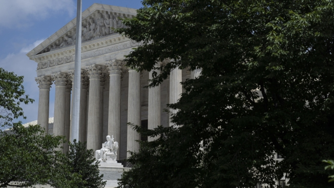 In Blow to Public-Sector Labor Unions, Supreme Court Makes Dues Optional