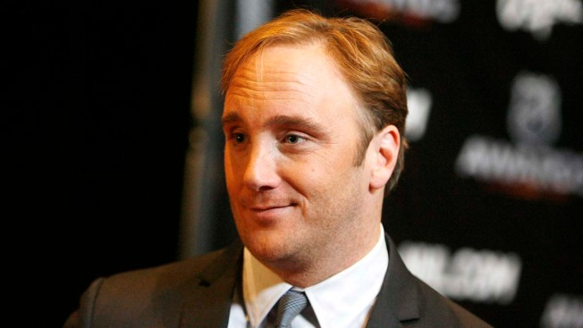 "Jay Mohr Apologizes to Alyssa Milano for ""Fat-Shame"""