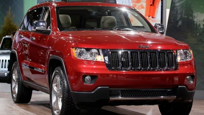 Jeep Recalls 228K Cherokees for Air Bag Problem