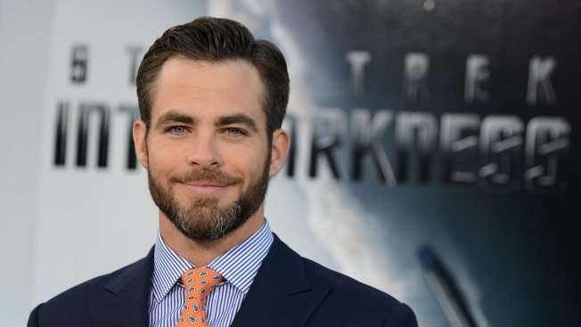 """Chris Pine Says Working With Lindsay Lohan on """"Just My Luck"""" Was a """"Real Cyclone of Insanity"""""""