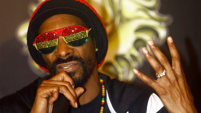 Snoop Dogg Launches Marijuana Website 'Merry Jane'