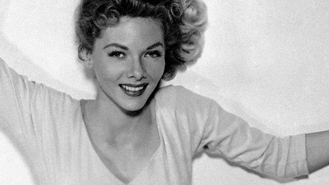 """Oklahoma!"" Actress Barbara Lawrence Dies at 83"