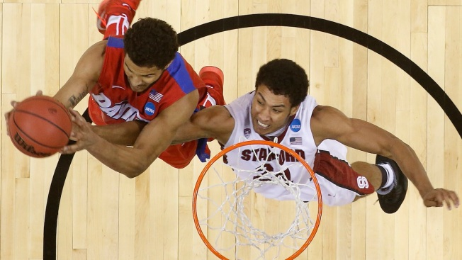 Dayton Tops Stanford 82-72 in Sweet 16