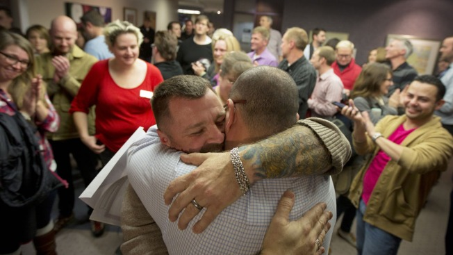 Gay Couples Wed in Utah After Judge Overturns Ban