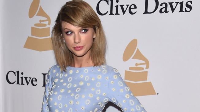 Clive Davis' Pre-Grammy Gala Full of A-List Youngsters, Old School Icons