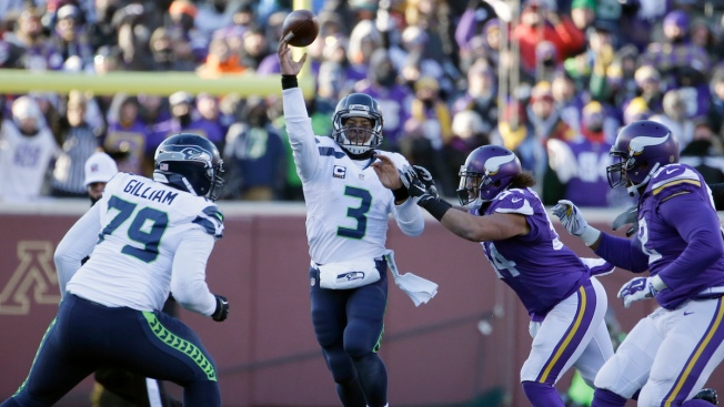 NFL Playoffs: Seahawks Escape With 10-9 Win Over Vikings After Walsh Miss