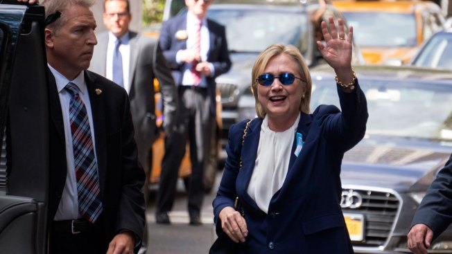 Clinton Tries to Blunt Fallout From Not Disclosing Pneumonia