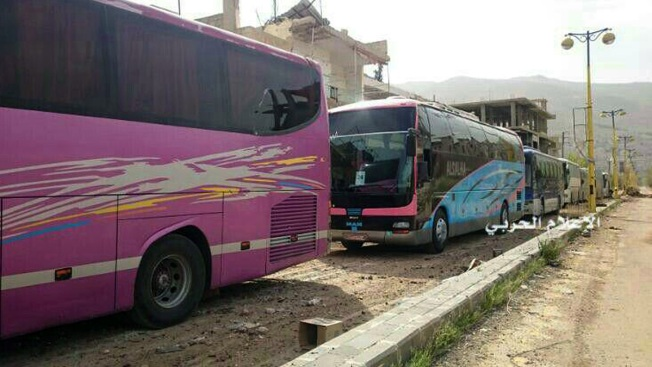 Syrians stuck in and near Aleppo as evacuation deal halts
