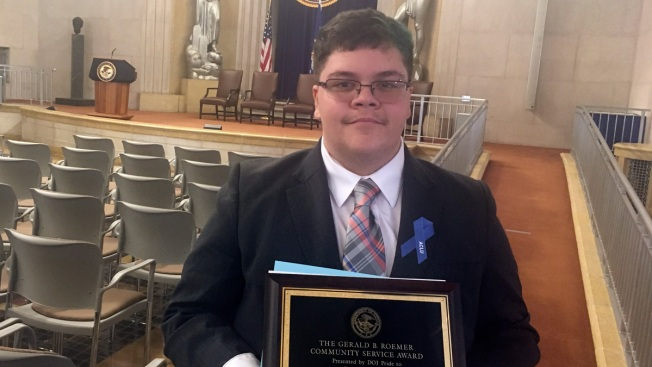 Justice Dept. Group Honors Transgender Teen in Bathroom Case