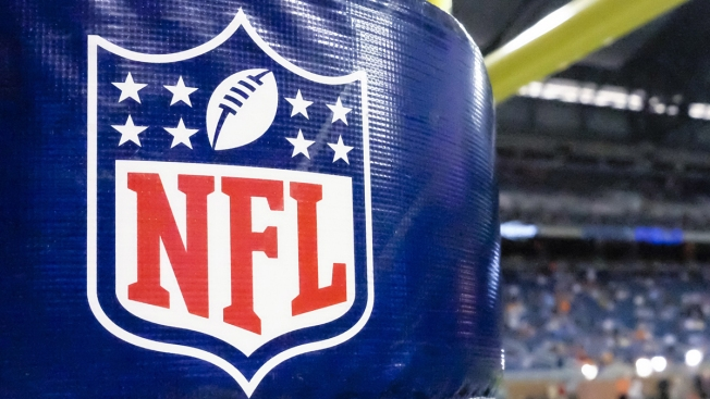 NFL Concussion Fund Battles Retired Players' Lawyers Over Proposed Rule Change