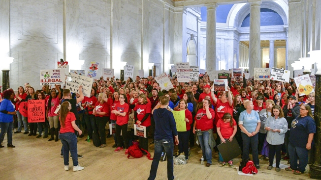 West Virginia Teachers Cheer Pay Hike Deal to End Walkout