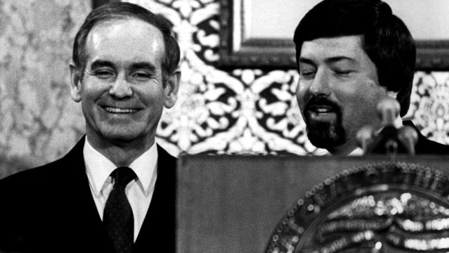 Ex-Iowa Gov. Ray, Who Helped Relocate Refugees to Iowa, Dies