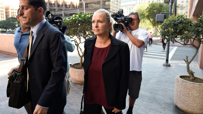 US Rep. Duncan Hunter, Charged With Funds Misuse, Suggests Wife Margaret Hunter Is to Blame