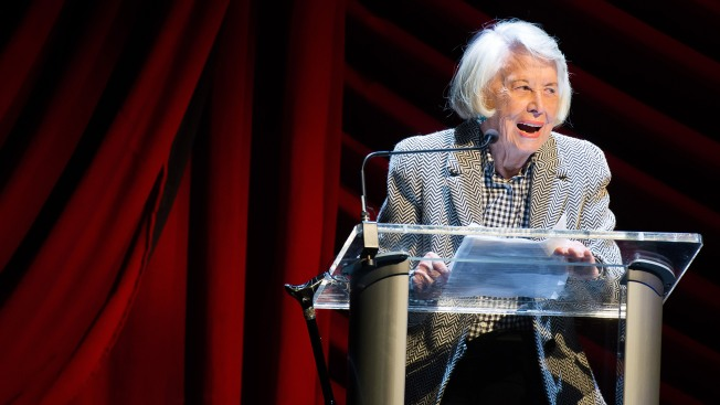 Famed NY gossip columnist Liz Smith dead at 94