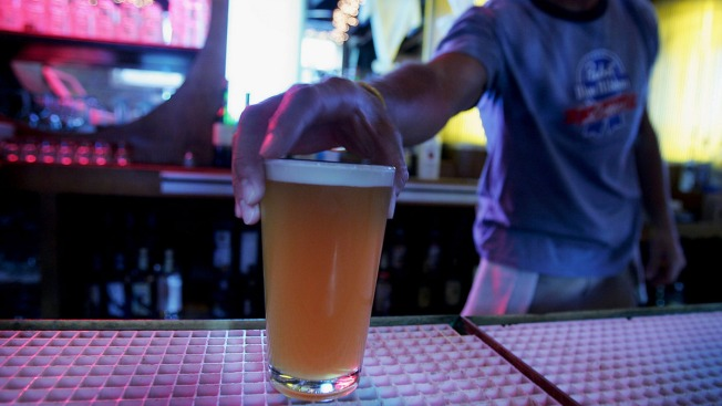 Bill to Extend Nightlife Hours Passes California Legislature