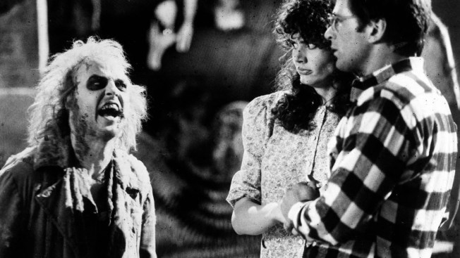 "Tim Burton in Talks to Direct ""Beetlejuice 2"" With Michael Keaton to Star"