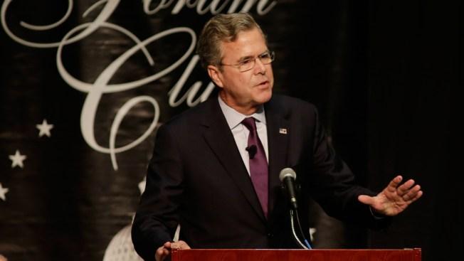 Bush: If Trump Wins GOP Nod, Clinton 'Beats Him Like a Drum'