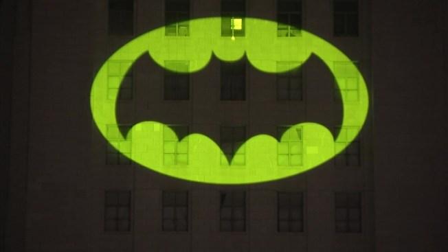 [NATL-LA] Photos: LA City Hall Lights Up Bat-Signal for Adam West