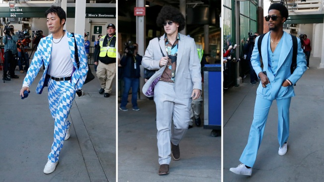 [NATL-CHI]Cubs Hit Road Decked Out in Finest 'Anchorman' Attire