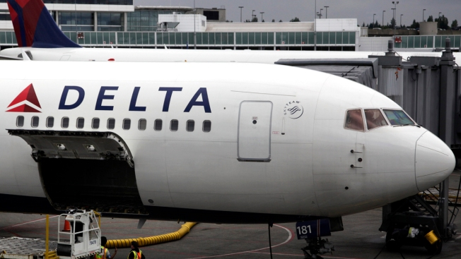 Plane Windshield Cracks When Delta Flight From NY to Tenn. Hits Bird