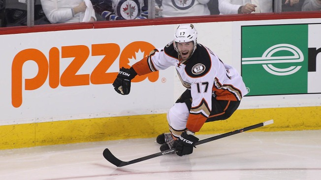 2015 NHL Playoffs: Ducks Sweep Jets With 5-2 Victory