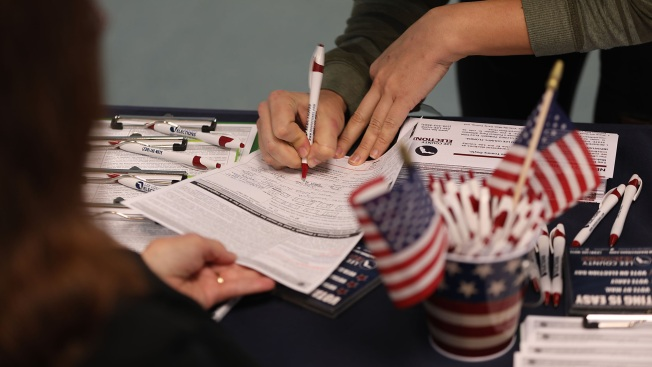 Florida Governor Signs Felon Voting Bill