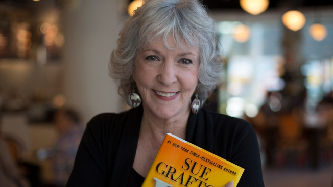 Sue Grafton, Writer of Popular 'Alphabet' Mysteries, Dies