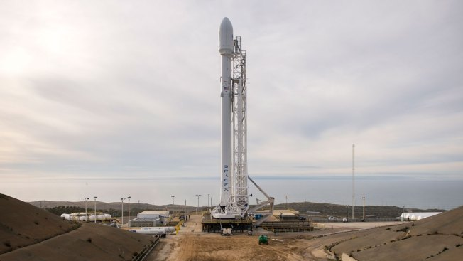 SpaceX Scrubs Mission for 3rd Time in Week